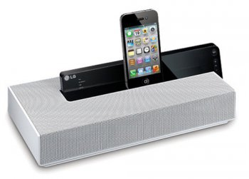 Док-станция LG ND4520 10W 2ch USB Audio In iPhone/iPod/iPad dock Bluetooth 6hrs from 6*AA bat.